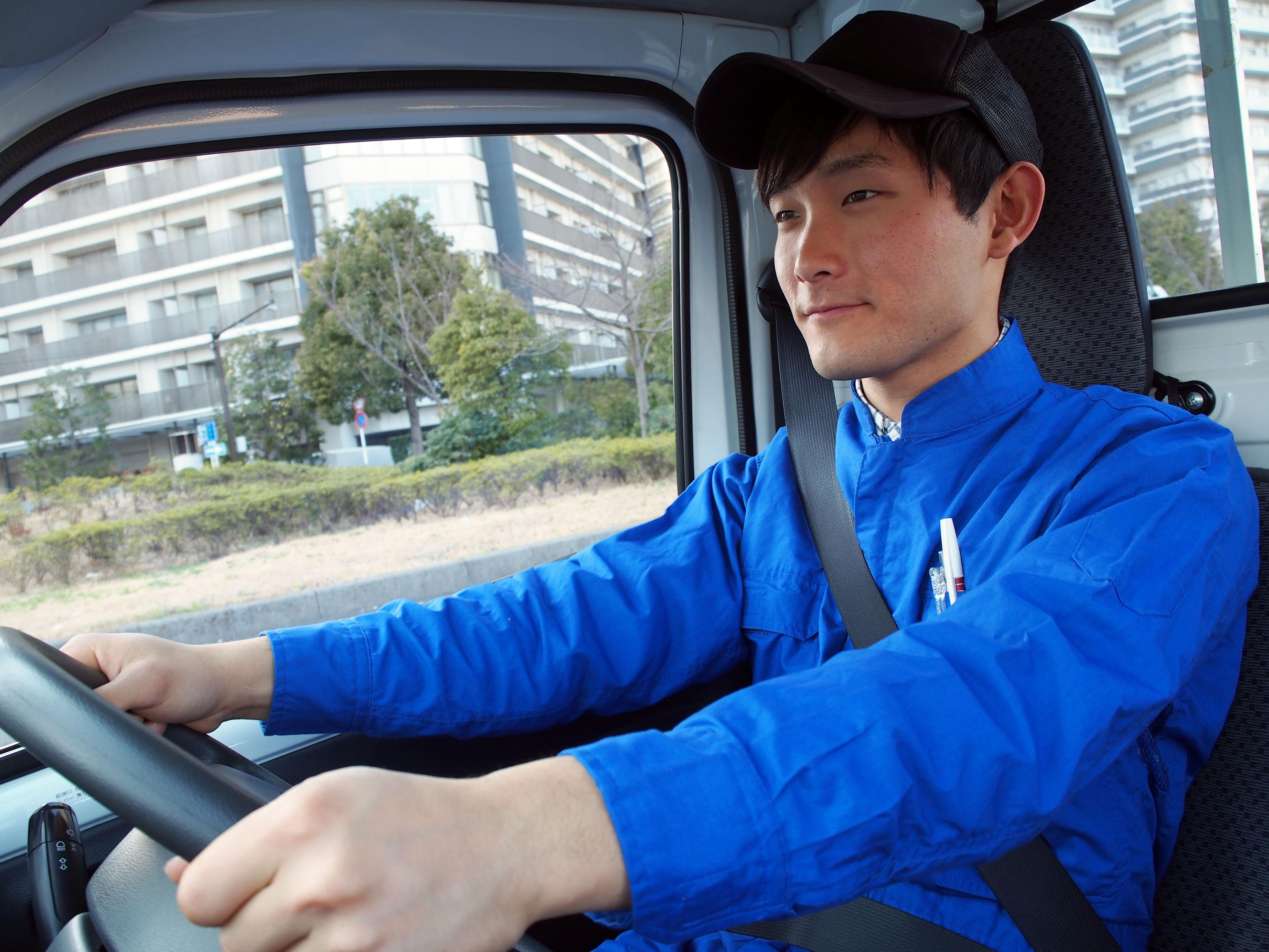運転するドライバー イメージ